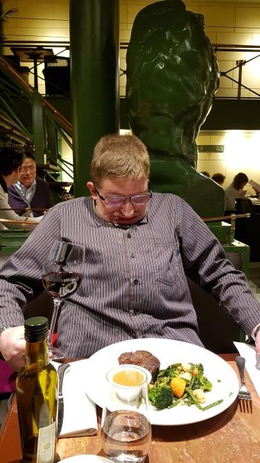 Hyvää lihaa! Sitä Brysselissä saa.