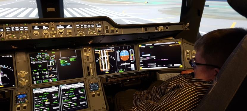 Jännittävä kokemus: Finnairin A350-simulaattori