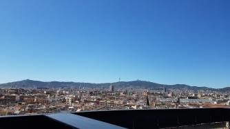 Kattoterassilla on hyvät maisemat ympäri Barcelonaa.