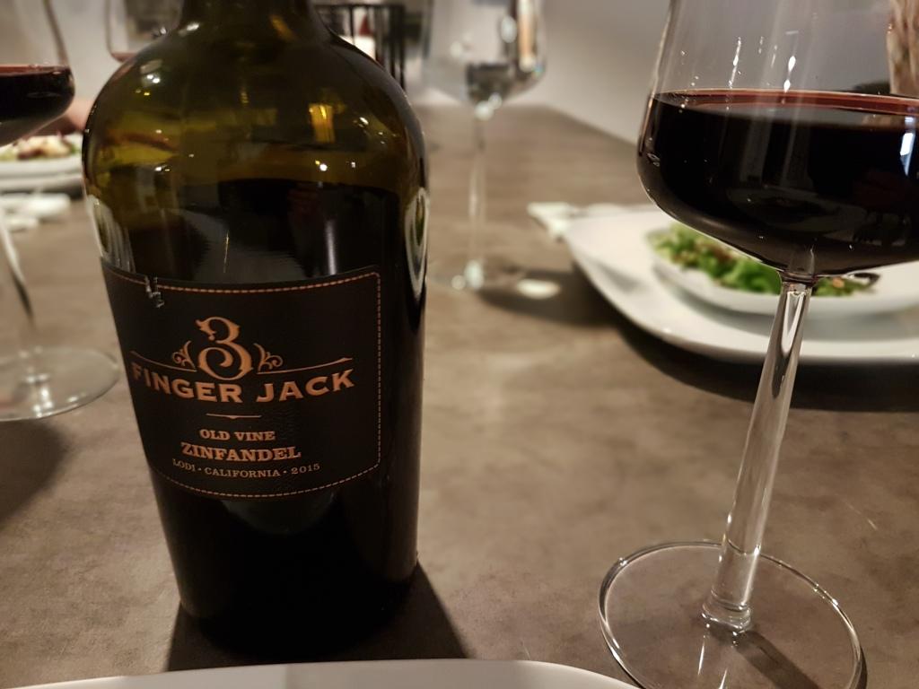 Viiniä Kaliforniasta